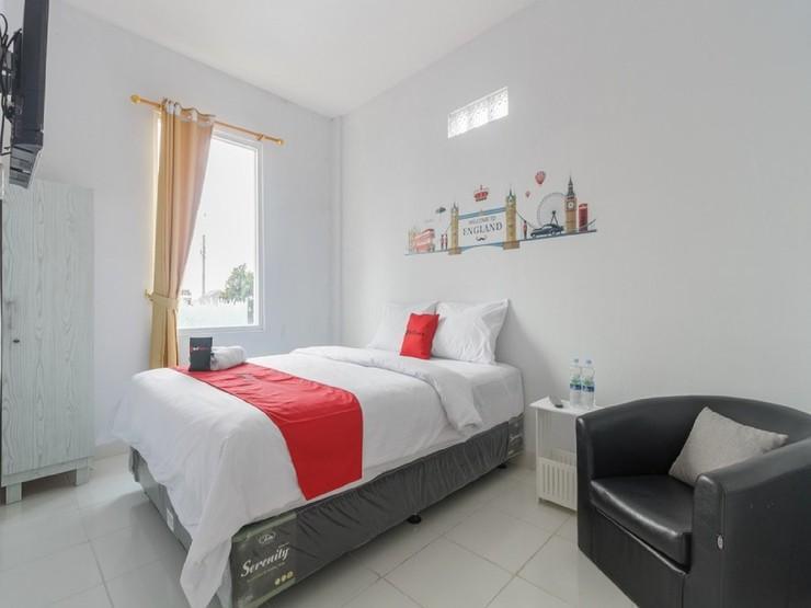 RedDoorz Plus near Taman Rasuna Menteng Jakarta - Guestroom