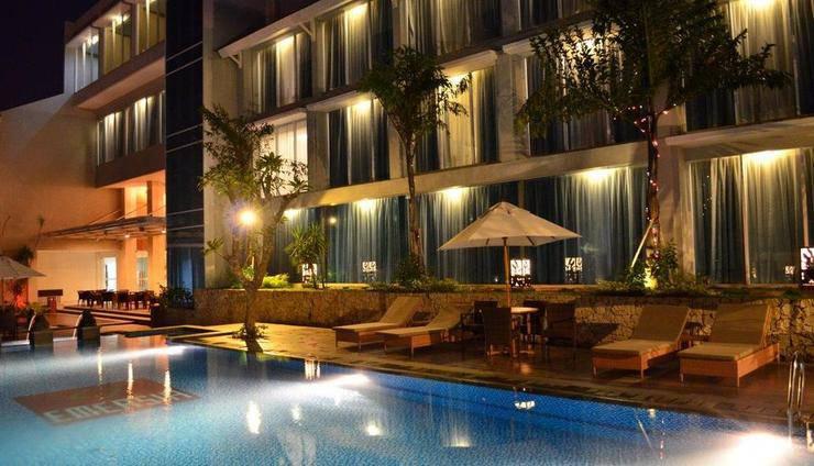 Emersia Hotel Lampung - Kolam Renang