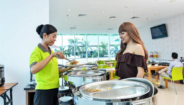 Whiz Prime Balikpapan - Manggar Restaurant