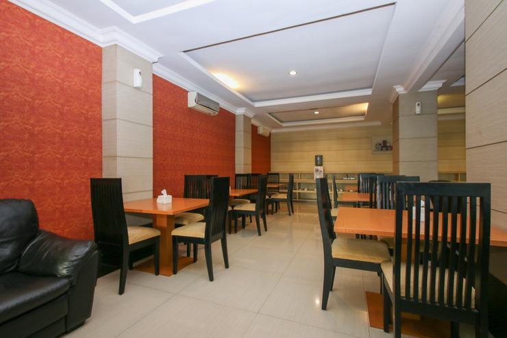 Airy Kebayoran Lama 12B Jakarta Jakarta - Dining Room