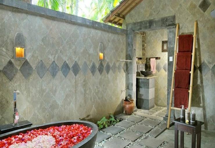 Coral View Villas Bali - Bathtube