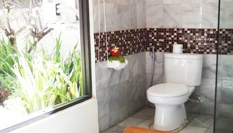 Puri Dewa Bharata Hotel & Villas Bali - Upstairs Villa Bathroom