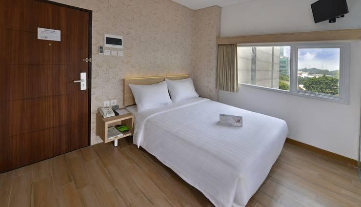 Whiz Hotel Falatehan Jakarta Jakarta - Superior Queen Room