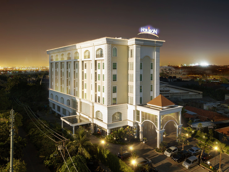 Hotel Horison Ciledug Jakarta Jakarta - Night View