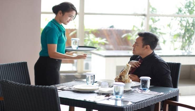Ayola Sunrise Hotel Mojokerto Mojokerto - Staff