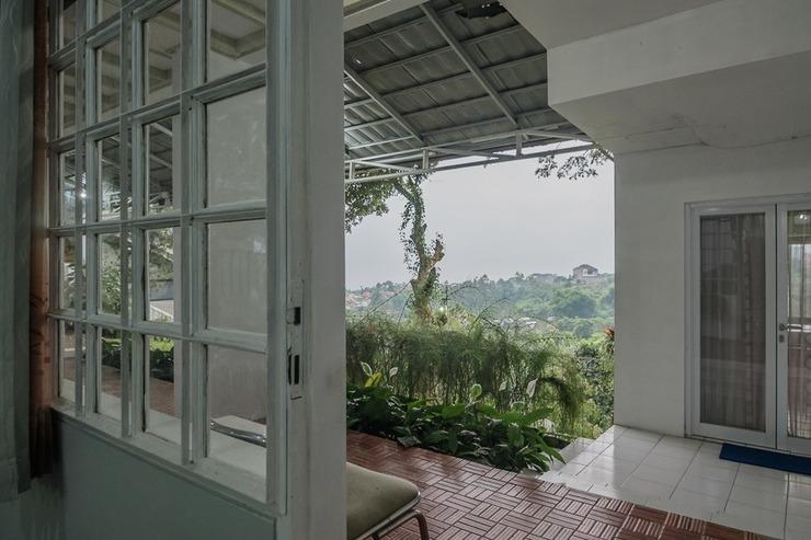RedDoorz near Farm House 2 Bandung - Interior