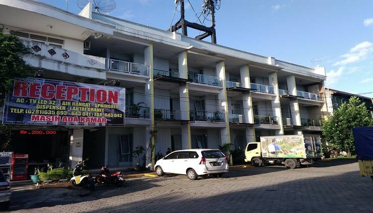 Roda Mas Hotel near RS Bunda Banyumas - Exterior