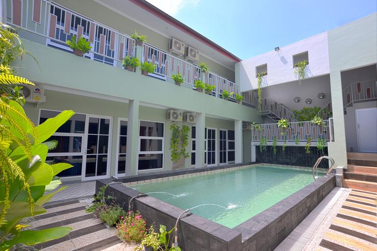 OYO 583 Royal Gejayan Homestay Yogyakarta - Pool