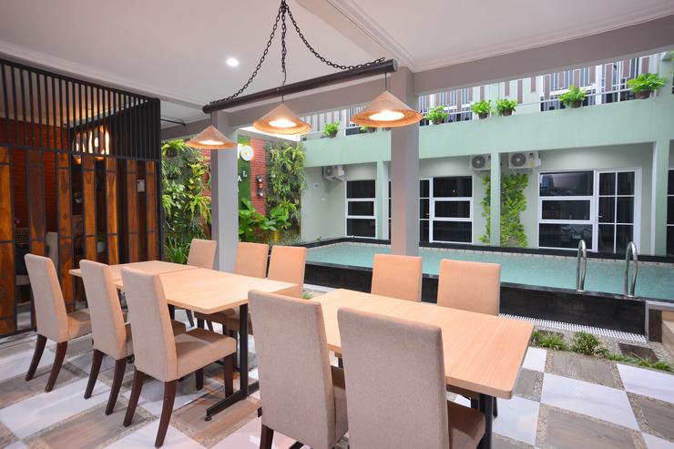 OYO 583 Royal Gejayan Homestay Yogyakarta - Common Area