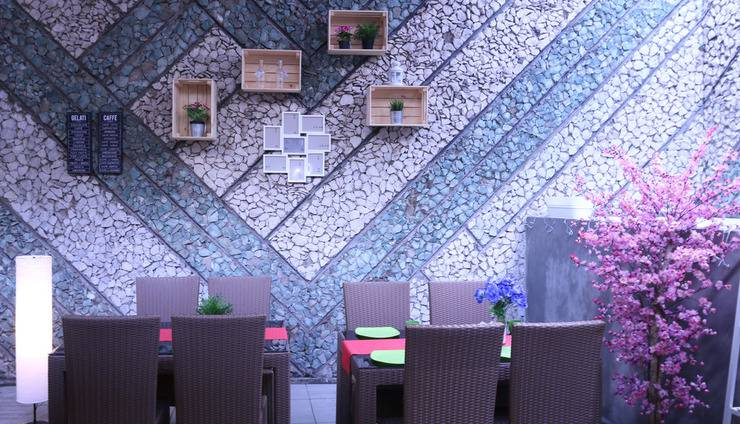 Review Hotel Bantal Guling Braga (Bandung)