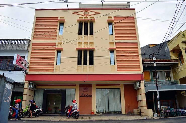 Lotus Hotel Pare-Pare - Exterior