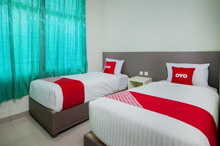 OYO 2382 Wisata Hotel Danau Toba - Bedroom