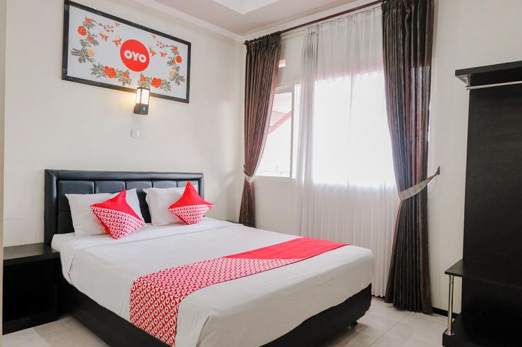 OYO 803 Toetie Hotel Malang - Bedroom