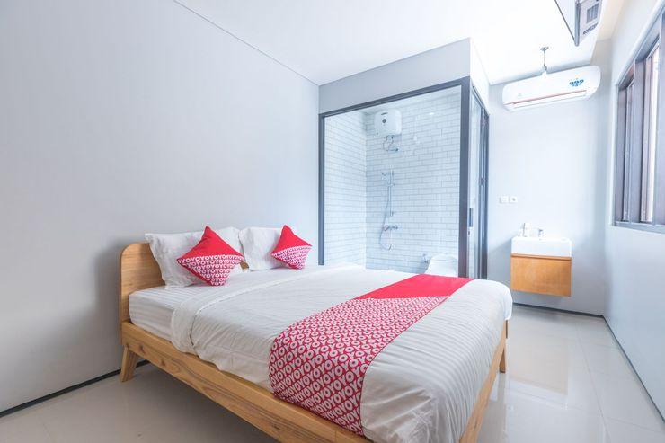 OYO 506 Moes Residence Jakarta - Bedroom