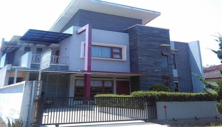 Villa Gazall Bandung - Exterior