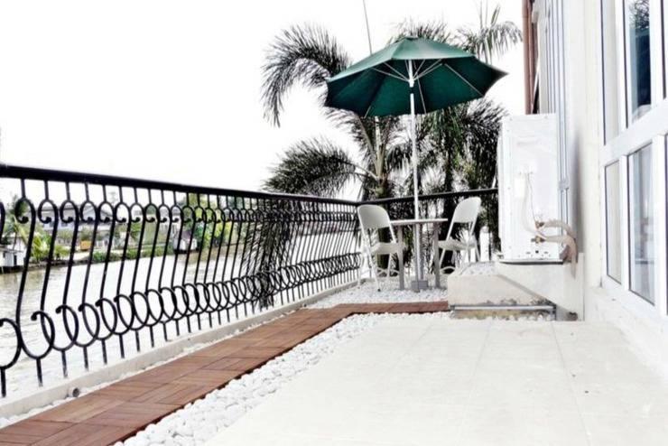 Hotel Victoria River View Banjarmasin - Balkon