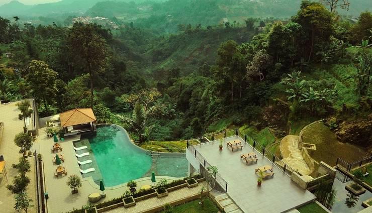 Nava Hotel Tawangmangu - Kolam Renang