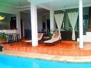 Villa Marlee Bali - Kolam renang