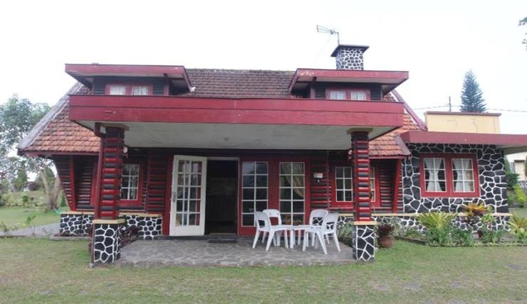 Villa De Nusa Sari Pasuruan - Facade