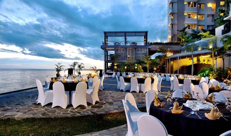 Aston Balikpapan - Hotel Bar