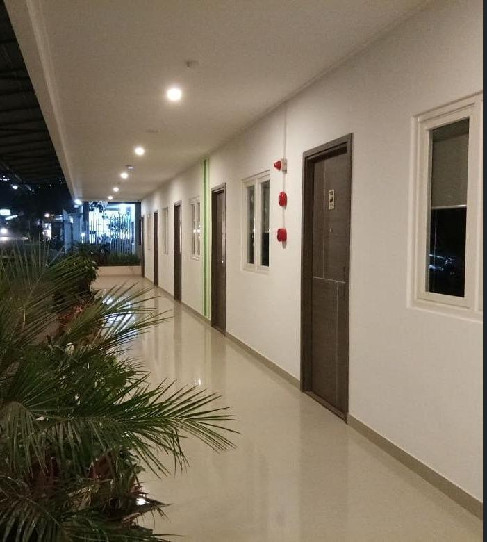 Three Eight Front One Boutique Batu Malang Malang - Koridor