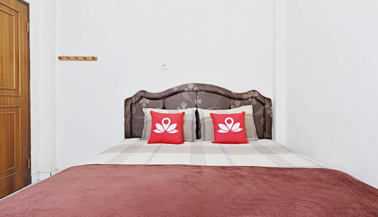 ZenRooms Antapani Syariah Bandung - Tampak tempat tidur double