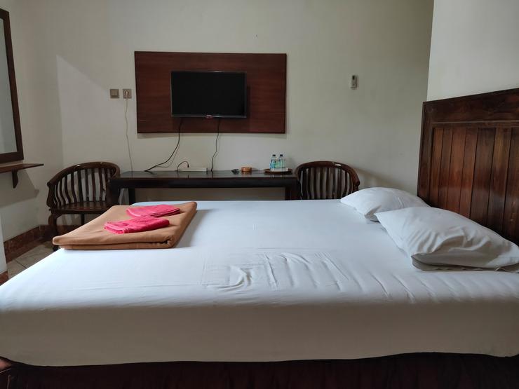 OYO 2643 Hotel Graha Prima Pacitan - Guestroom