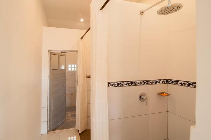 Kememai Hostel Bali - Bathroom