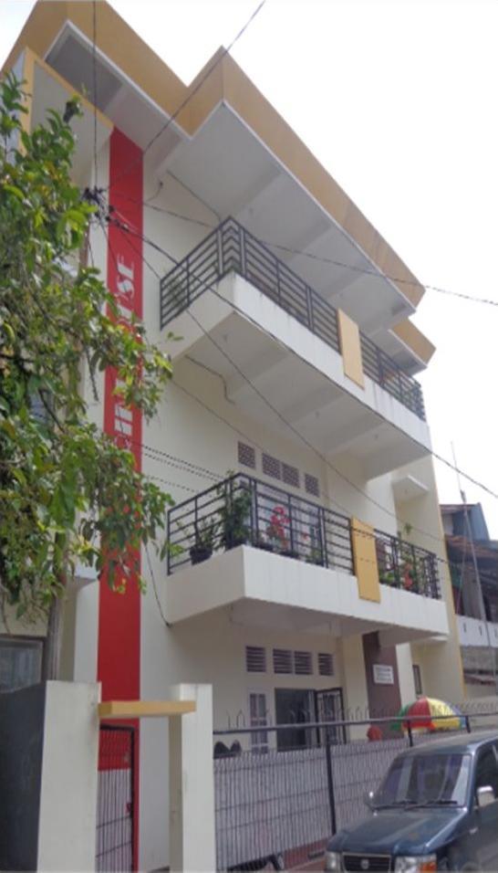 Guest House Arini Syariah Padang - exterior