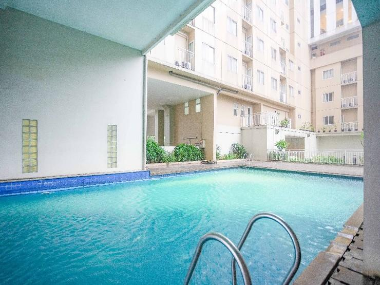 RedDoorz Apartment @ Bogor Valley Bogor - Outdoor Pool