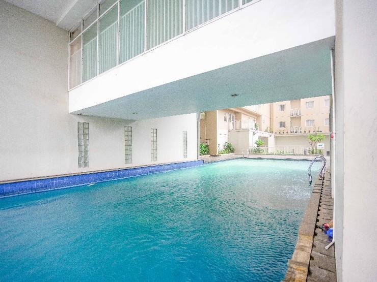 RedDoorz Apartment @ Bogor Valley Bogor - Outdoor Pool