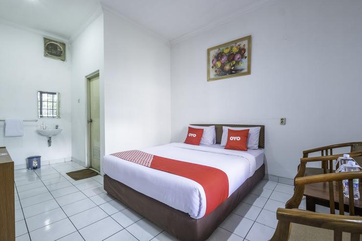 OYO 1736 Pondok Kurnia Bandung - Guestroom