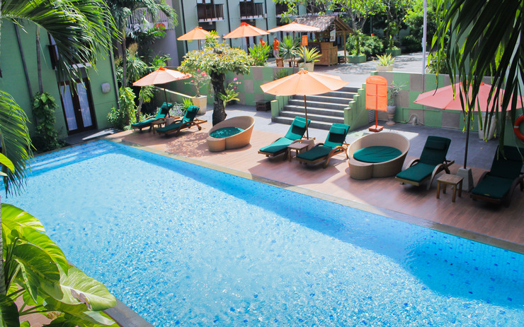 HARRIS Hotel Tuban - pool 2