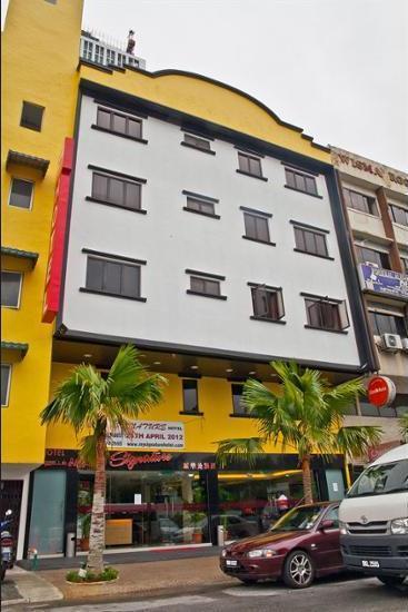 Signature Hotel KL Sentral - Featured Image