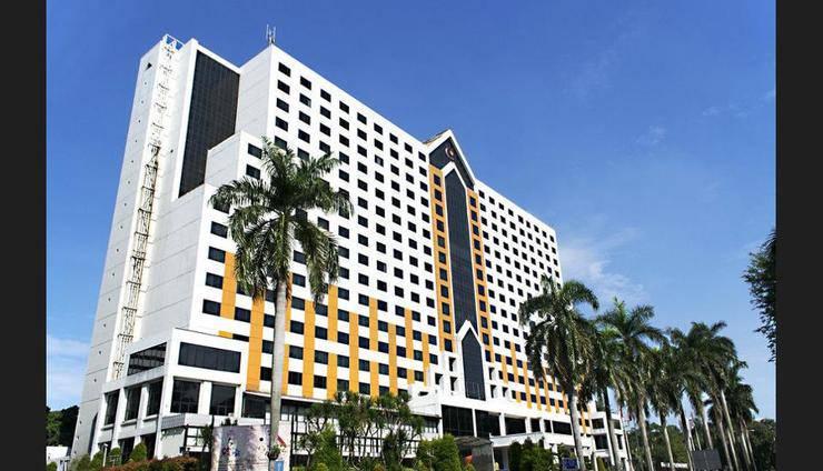 Century Park Hotel Jakarta - Featured Image