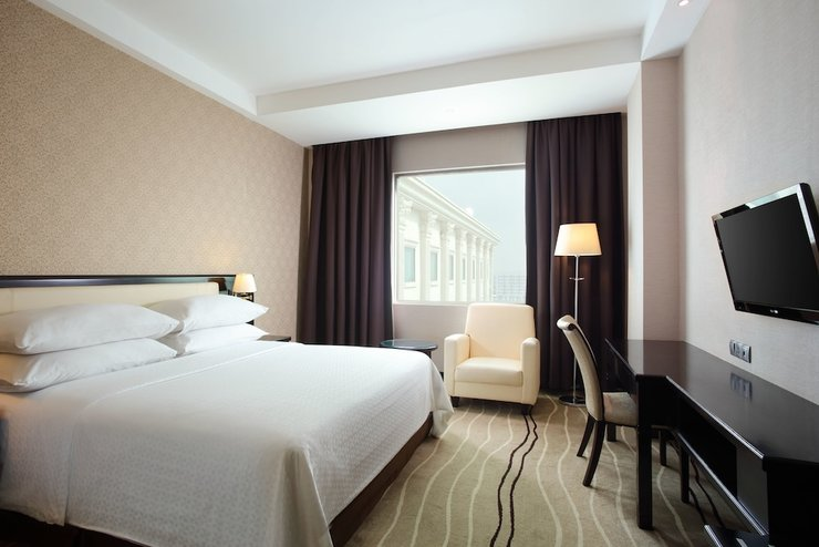 Four Points by Sheraton Medan - Guestroom