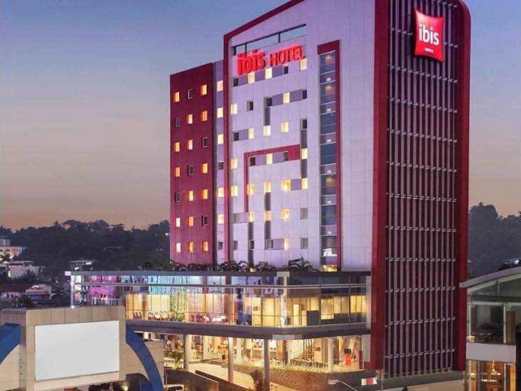 ibis Manado City Center Boulevard - Hotel Front