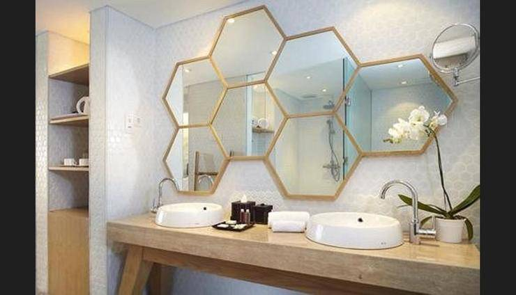 U Paasha Seminyak - Bathroom