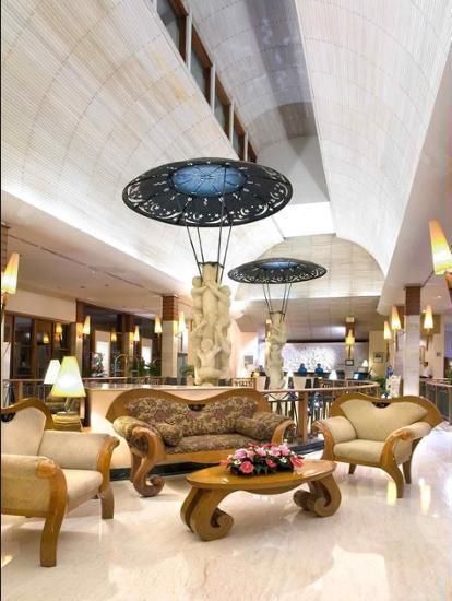 Novotel Surabaya Hotel & Suites Surabaya - Lobby