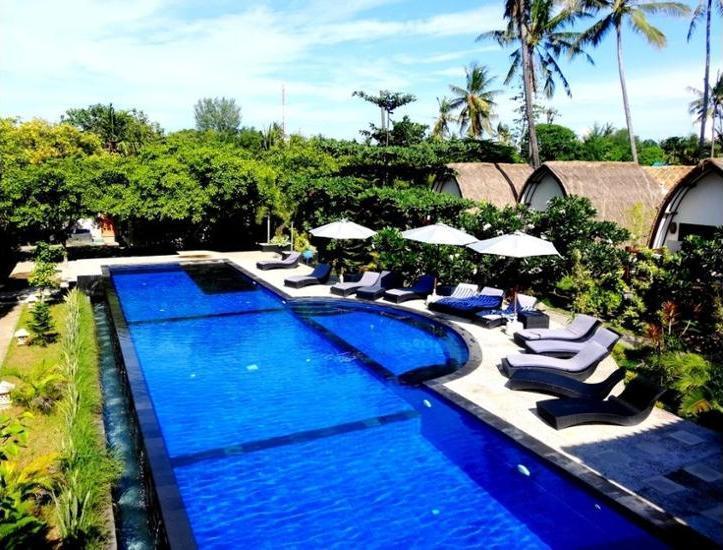 Oceans 5 Dive Resort Lombok - Outdoor Pool