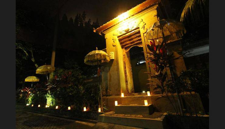 Hotel Gianyar Bali - Featured Image