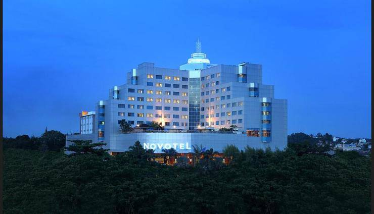 Novotel Balikpapan - Featured Image