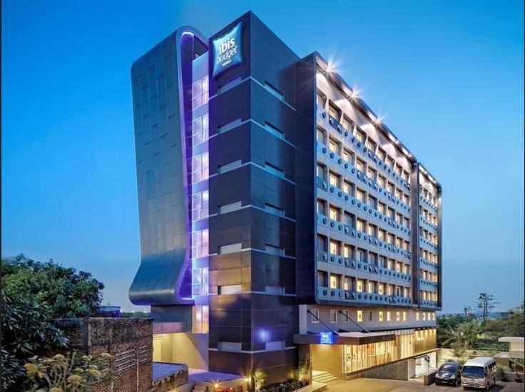 Hotel ibis budget Jakarta Airport - Featured Image