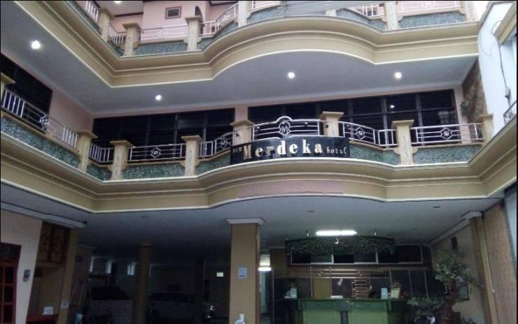 Hotel New Merdeka Jember - Tampak Depan