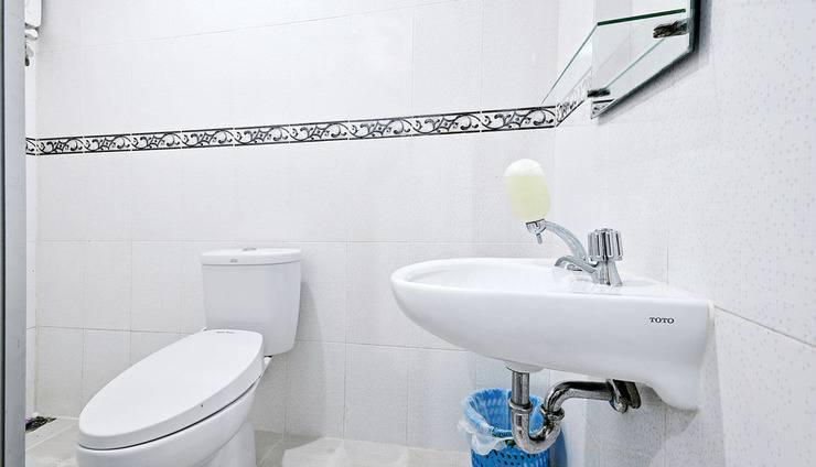 ZenRooms Kelapa Gading Kelapa Puyuh - Kamar mandi