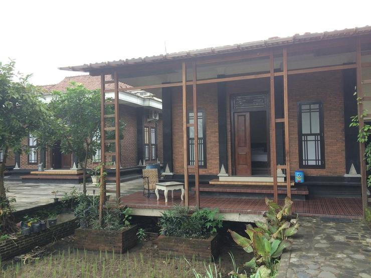 Lotus ll Guesthouse Magelang - Appearance