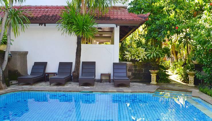 Flamboyan Hotel Bali - Teras Kolam Renang