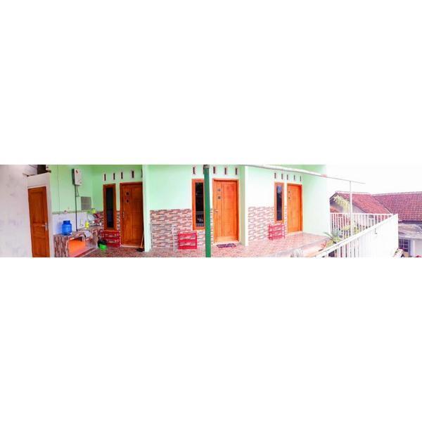 Homestay Blessing Kamaran Malang - Facade