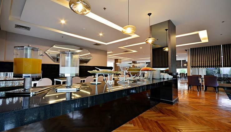 ZEN Premium Mampang Tendean Jakarta - Kafe
