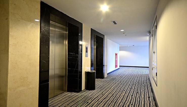 ZEN Premium Mampang Tendean Jakarta - Lift
